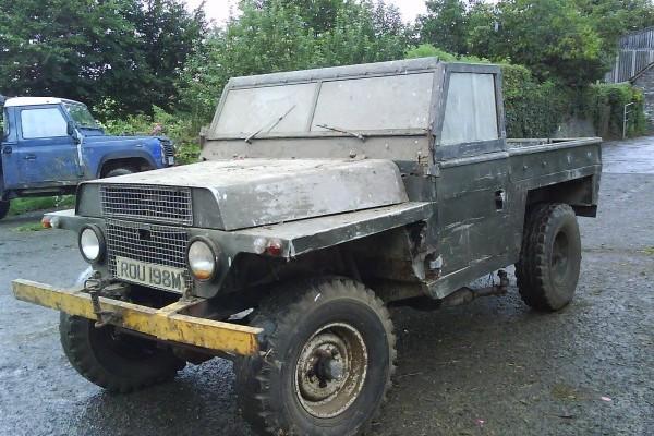 1 ton 'Lightweight' Land Rover gun tractor